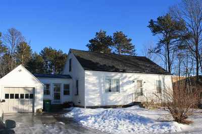 Rochester Single Family Home For Sale: 15 Milton Road