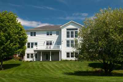 Orleans County Single Family Home For Sale: 867 Foxwood Lane