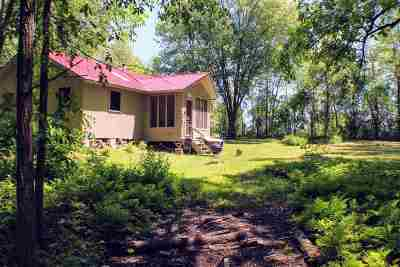 St. Albans Town VT Single Family Home For Sale: $199,000