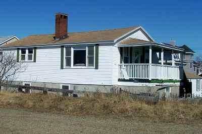 Hampton Single Family Home For Sale: 10 Epping Avenue