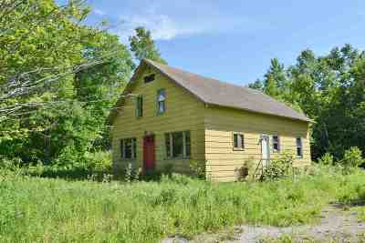 Lancaster Single Family Home For Sale: 219 Pleasant Valley Road