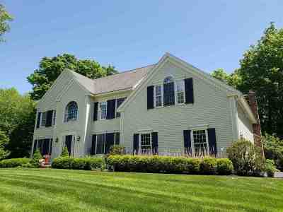 Exeter Single Family Home For Sale: 2 Dolloff Farm Drive