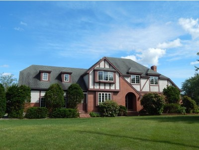 Single Family Home For Sale: 8 Apple Way