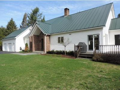 Orleans County Single Family Home For Sale: 1504 Lake Road