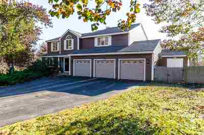 Salem Single Family Home For Sale: 3 Carriage Lane