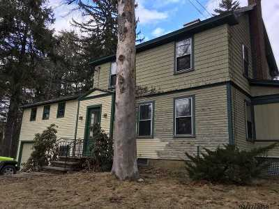Laconia Single Family Home For Sale: 981 N Main Street