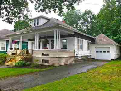 Orleans County Single Family Home For Sale: 59 Oak Street