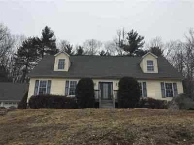 Strafford County Single Family Home For Sale: 5 Gretchens Way