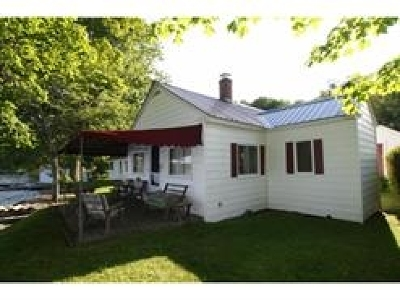 Orleans County Single Family Home For Sale: 1902 Vt Route 5a