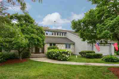 Salem Single Family Home For Sale: 9 Carriage Lane