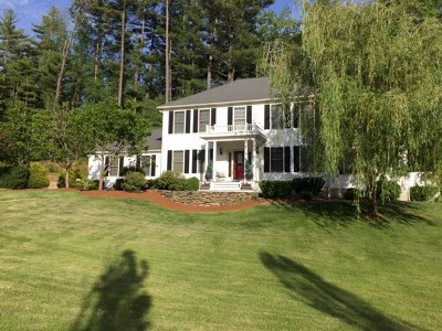 Hooksett Single Family Home Active Under Contract: 54 Martins Ferry Road Road