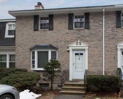 Londonderry Condo/Townhouse Active Under Contract: 194 Fieldstone Drive