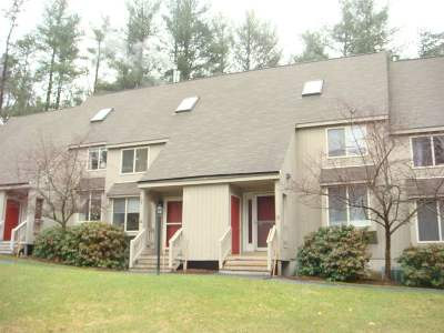 Bedford Condo/Townhouse Active Under Contract: 4 Suffolk Court