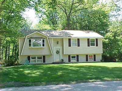 Salem Single Family Home Active Under Contract: 66 Townsend Avenue