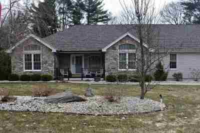 Salem Single Family Home For Sale: 14 Pinewood Road