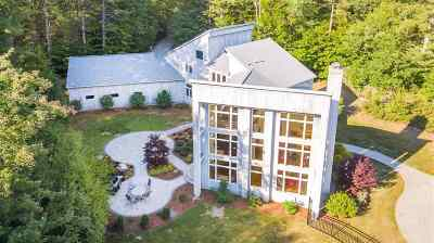 Bedford Single Family Home For Sale: 19 Tolford Hill Road