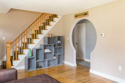 Dover Single Family Home For Sale: 143 Littleworth Road