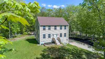 Strafford County Single Family Home For Sale: 67 Castle Rock Road