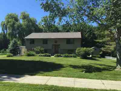Essex Single Family Home For Sale: 22 Athens Drive