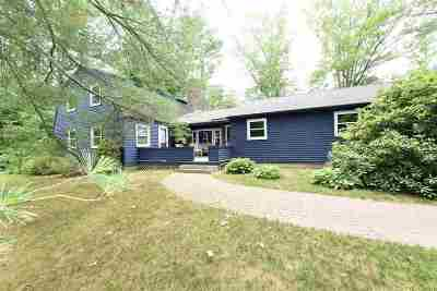 Exeter Single Family Home For Sale: 1 River Bend Circle