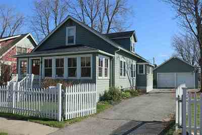 Portsmouth Single Family Home Active Under Contract: 27 Thaxter Road