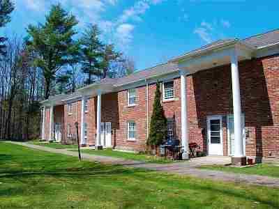 South Burlington Condo/Townhouse For Sale: 425 Dorset Street #28