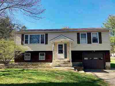 Essex Single Family Home For Sale: 84 Pinecrest Drive
