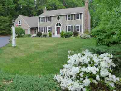 Bedford Single Family Home For Sale: 7 Arrowhead Drive