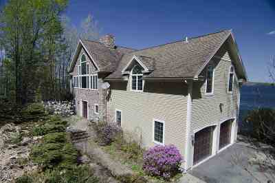 Orleans County Single Family Home For Sale: 5720 Lake Road