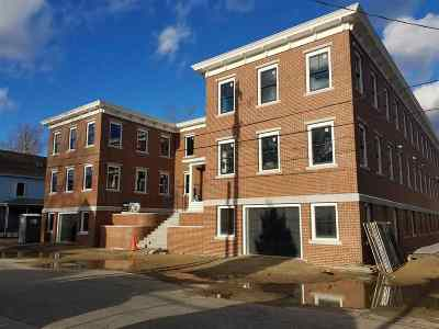 Condo/Townhouse Active Under Contract: 211 Union Street #202