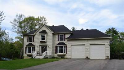 Rochester Single Family Home For Sale: 424 Old Dover Road