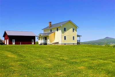 Richford VT Single Family Home For Sale: $258,000