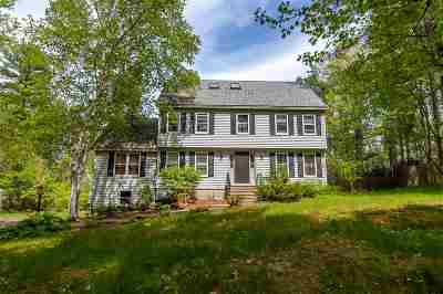 Londonderry Single Family Home For Sale: 12 Jefferson Drive