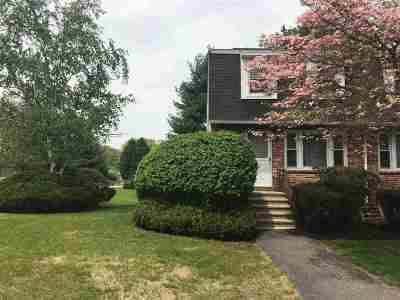 Goffstown Condo/Townhouse Active Under Contract: 2 Oakwood Lane #1
