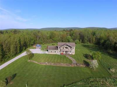 St. Albans Town VT Single Family Home For Sale: $398,000