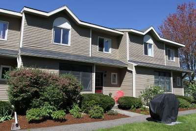 Chittenden County Condo/Townhouse For Sale: M15 Stonehedge Drive