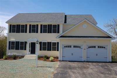 Hooksett Single Family Home For Sale: 43 Brookview Drive