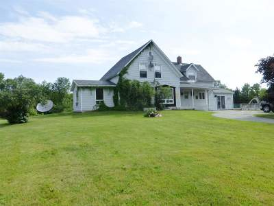 Orleans County Single Family Home For Sale: 4924 Vt Rte 14