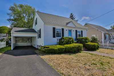 Manchester Single Family Home For Sale: 393 Brunelle Avenue
