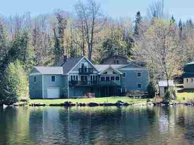 Orleans County Single Family Home For Sale: 30 Cold Spring Lane