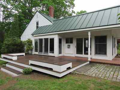 Lee Single Family Home For Sale: 64 Harvey Mill Road
