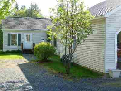 Orleans County Single Family Home For Sale: 481 Main Highway