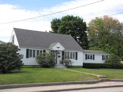 Manchester Single Family Home For Sale: 935 Cilley Road