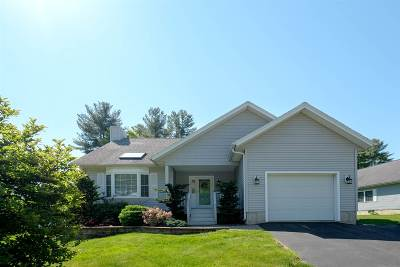 Newmarket Single Family Home Active Under Contract: 21 Briallia Circle