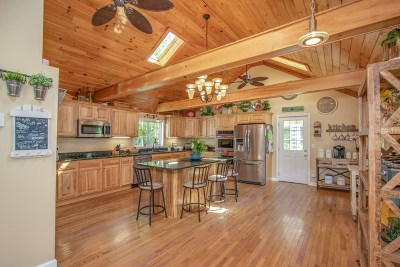 Hudson Single Family Home For Sale: 30 Boyd Road