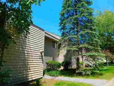 South Burlington Condo/Townhouse For Sale: 58 Bayberry Lane #58