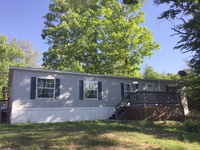 Bristol Single Family Home For Sale: 40 Timber Lane