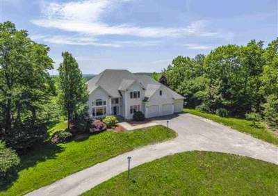 Amherst Single Family Home For Sale: 54 Chestnut Hill Road