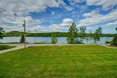 Orleans County Single Family Home For Sale: 25 Leland Lane