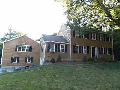 Weare Single Family Home For Sale: 80 Oak Ridge Road